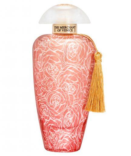 è racchiusa in un sofisticato flacone i cui decori richiamano i caratteristici petali Dell'omonima rosa, specie antica e misteriosa.