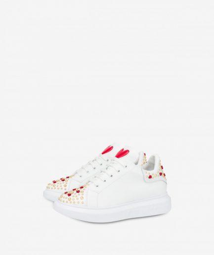 Love Moschino Sneakers in vitello con borchie e cuori